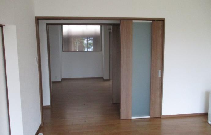 Imn邸/建具吊り込み、洗面器具設置