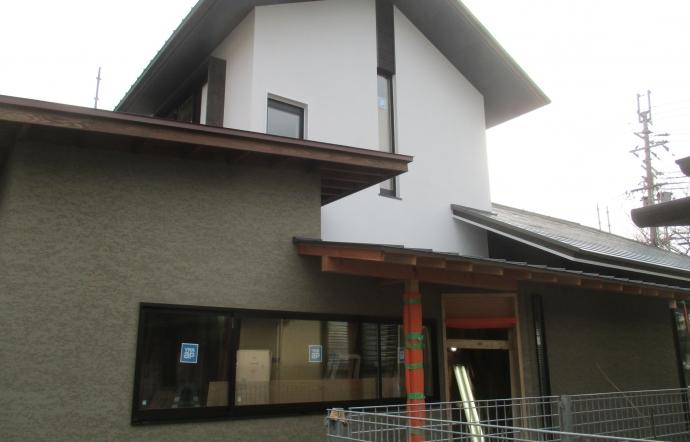 Tdt邸/外壁塗装完了、大工工事