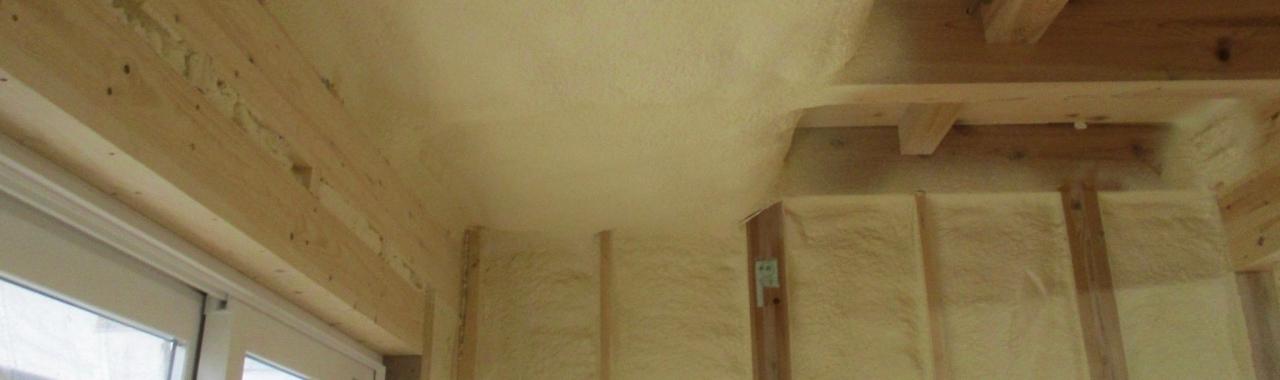 Iwt邸/断熱工事、床暖房取り付け