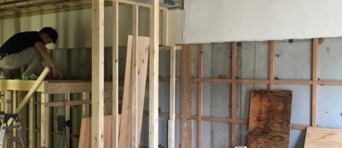 Kwi邸/間仕切り壁、天井下地
