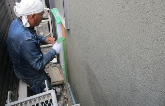 Tkt邸/塗装、左官工事
