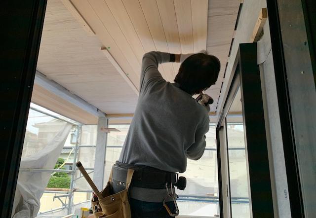 Fjw邸/大屋根軒天板貼り工事